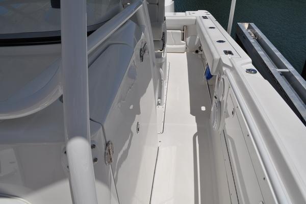 2017Edgewater 31 ft 318CC