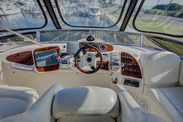 2004Meridian 40 ft 408 motor Yacht   Brickyard Money