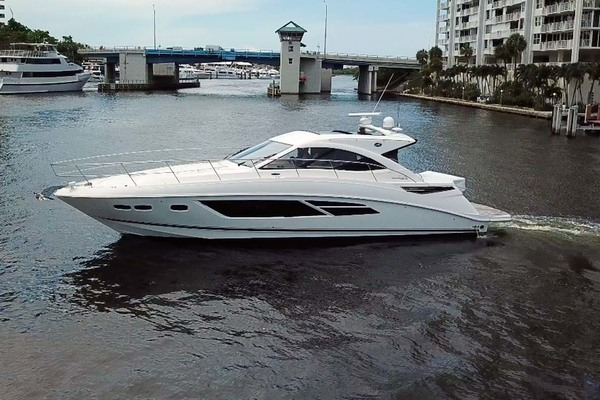 Sea Ray 50' 510 Sundancer 2015