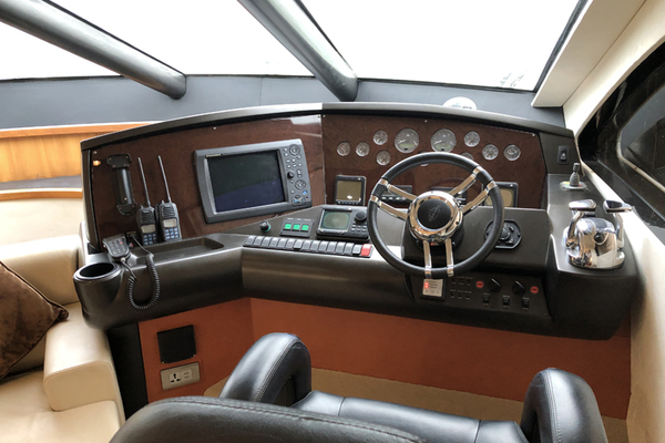 Picture Of: 64' Sunseeker Manhattan 60 2009 Yacht For Sale | 4 of 21