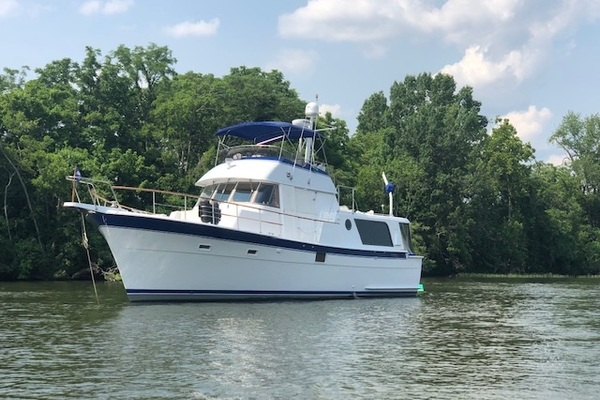 Picture Of: 48' Hatteras 48 LRC 1976 Yacht For Sale | 3 of 78