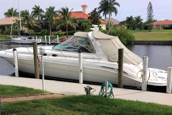 Sea Ray 31' Sundancer 2000