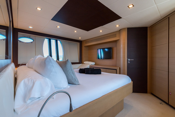 2012 Pershing 72' 72 LOONEY   Picture 3 of 28
