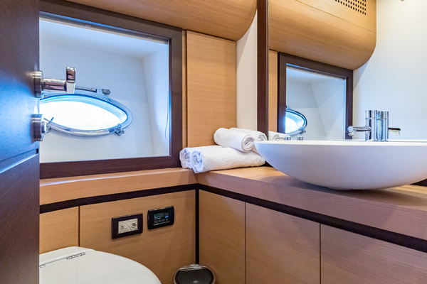 2012 Pershing 72' 72 LOONEY   Picture 2 of 28