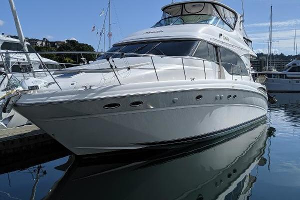 54' Sea Ray 540 Cockpit Motor Yacht 2001 | Familia