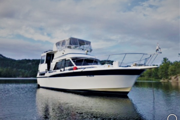 42' Custom Camargue 1989 | Good Life