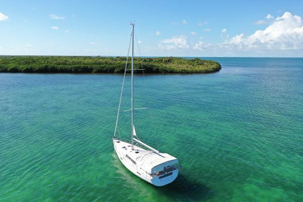 Picture Of: 45' Beneteau 45 2013 Yacht For Sale | 4 of 40
