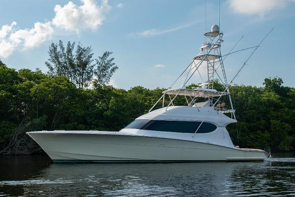 photo of 64' Hatteras 64 Convertible 2006