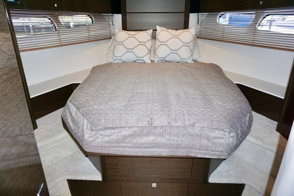 Picture Of: 45' Cruisers 45 Cantius 2018 Yacht For Sale   4 of 56