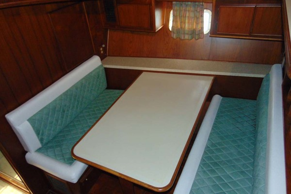 1988 Atlantic 47' Motor Yacht Terra Incognita | Picture 4 of 40