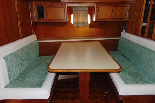 1988 Atlantic 47' Motor Yacht Terra Incognita | Picture 3 of 40