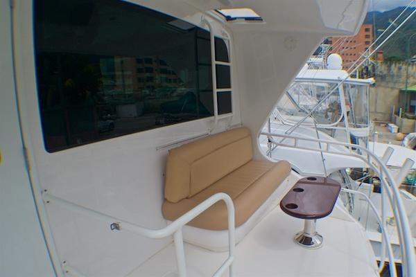 2005 74 Viking EB   Salon 2