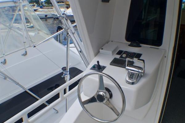 2005 Viking 74' 74 Enclosed Bridge 6C | Picture 7 of 47