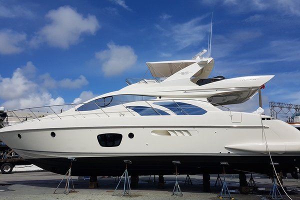 2006 Azimut 55' 55 Flybridge MY Nine | Picture 2 of 37