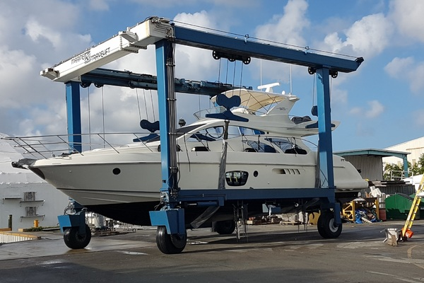 2006 Azimut 55' 55 Flybridge MY Nine | Picture 8 of 37