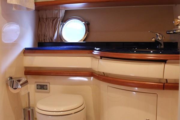 2006 Azimut 55 Flybridge MY  Nine  Salon