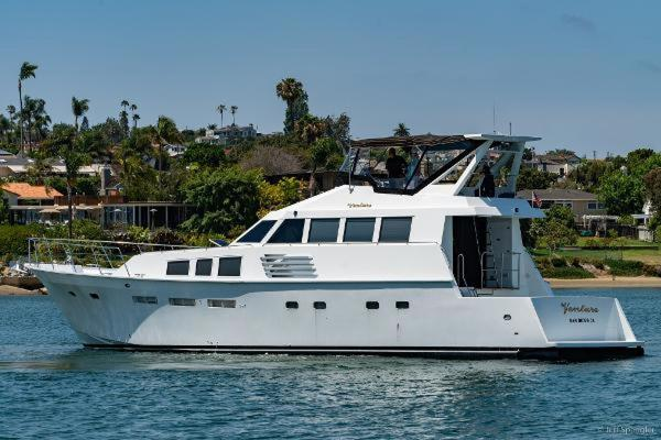 Picture Of: 73' Bertram 70CPMY 1971 Yacht For Sale | 1 of 26