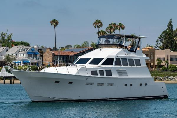Picture Of: 73' Bertram 70CPMY 1971 Yacht For Sale | 2 of 26