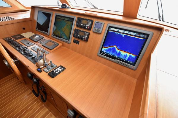 2010 Marlow 72' Explorer 72E Command Bridge Viewfinder | Picture 4 of 90