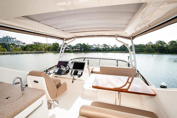 2017 Sea Ray 59' L59 Flybridge It's Plane to Sea | Picture 7 of 64