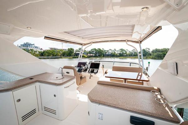 2017 Sea Ray 59' L59 Flybridge It's Plane to Sea | Picture 4 of 64