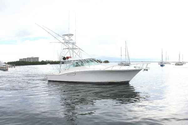 photo of 45' Cabo 45 Express 2003