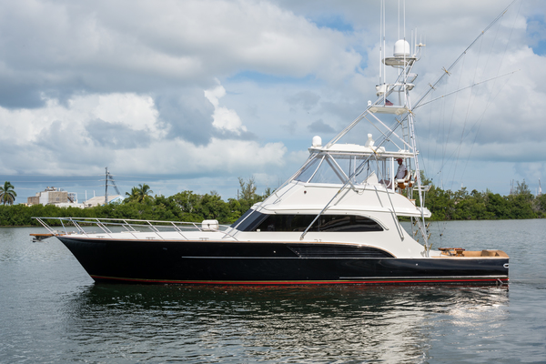 61' Buddy Davis Sport Fisherman 2001 | Black Tip