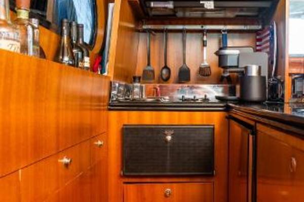 2001 Horizon 51' Sedan Motor Yacht OKIE DOKIE   Picture 1 of 46