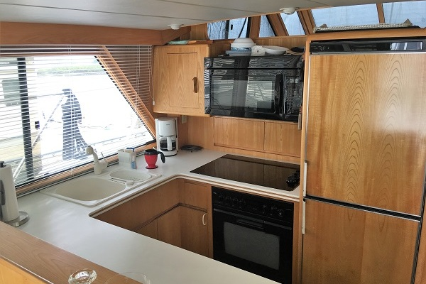 1991 Ocean Alexander 54' Cockpit Pilot House Sheena | Picture 1 of 64