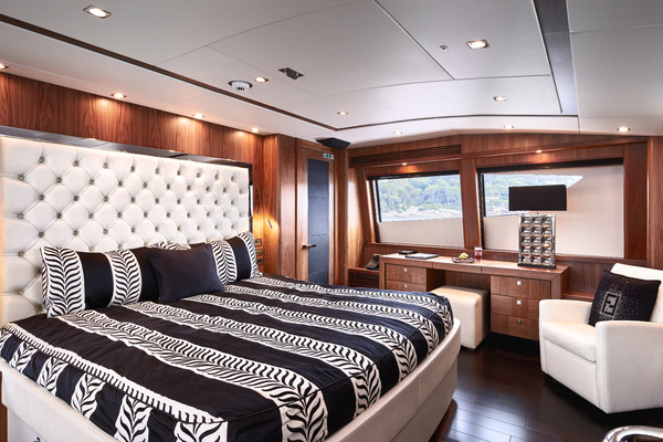 2010 Sunseeker 111' 34m BLACK AND WHITE | Picture 1 of 13