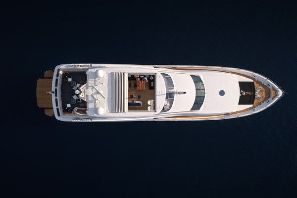 2010 Sunseeker 111' 34m BLACK AND WHITE | Picture 5 of 13