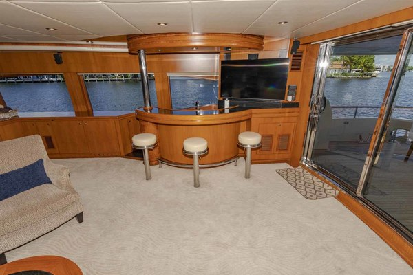 Picture Of: 82' Monte Fino Widebody Skylounge 2001 Yacht For Sale | 4 of 87