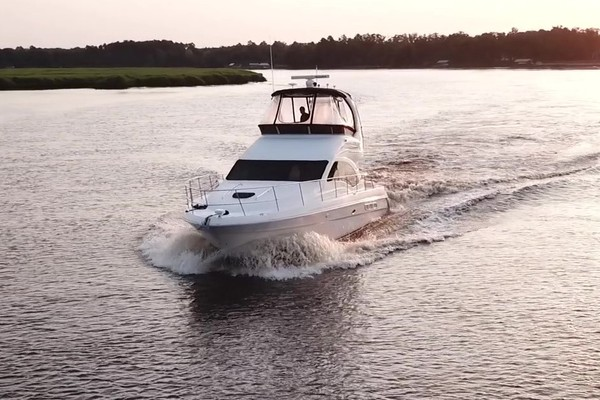 Picture Of: 44' Sea Ray 44 Sedan Bridge 2006 Yacht For Sale | 4 of 62