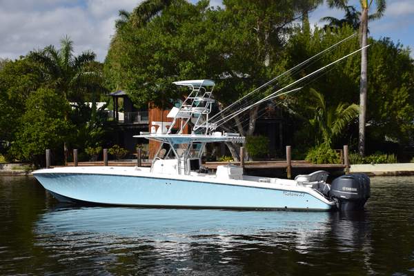 Picture Of: 41' Bahama SeaKeeper Gyro equipped 2014 Yacht For Sale | 3 of 37