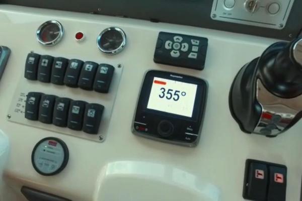 2013 Azimut 58' Atlantis 58 Cockpit Door Mar1   Picture 2 of 47