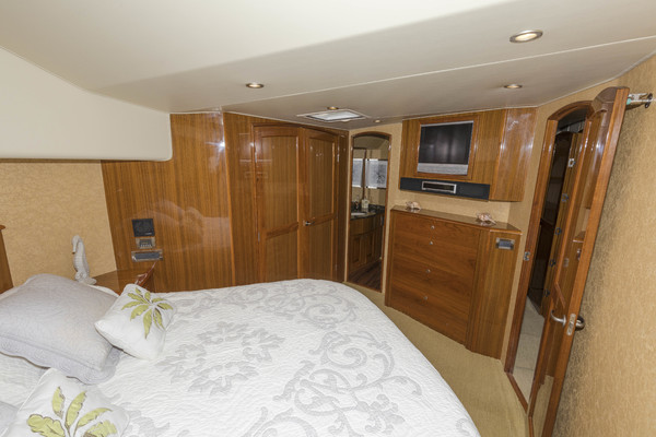 Picture Of: 64' Viking 64 Convertible 2007 Yacht For Sale   4 of 31