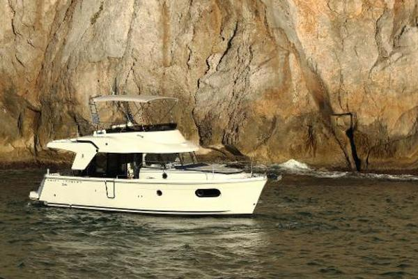 Picture Of: 37' Beneteau Swift Trawler 35 2020 Yacht For Sale | 4 of 13