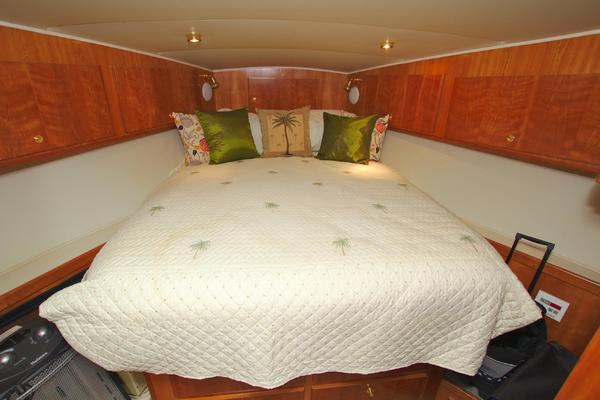 2001 Navigator 56' 56 Piothouse Victory  | Picture 5 of 74