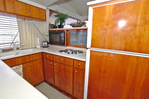 2001 Navigator 56' 56 Piothouse Victory  | Picture 8 of 74