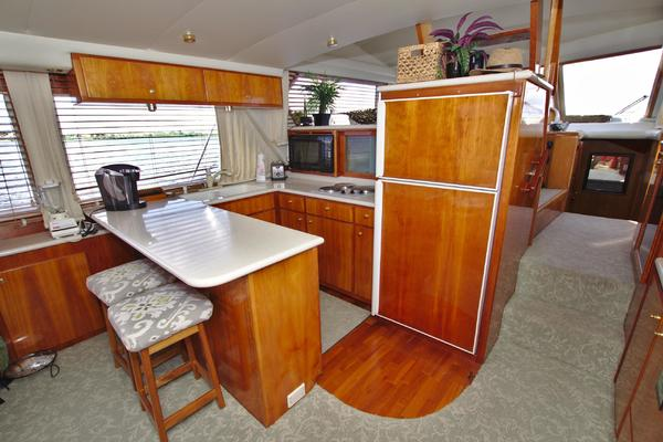 2001 Navigator 56' 56 Piothouse Victory  | Picture 3 of 74