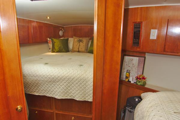 2001 Navigator 56' 56 Piothouse Victory  | Picture 6 of 74