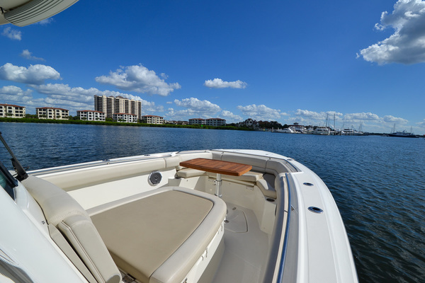 Picture Of: 33' Boston Whaler 330 Outrage 2016 Yacht For Sale | 3 of 72