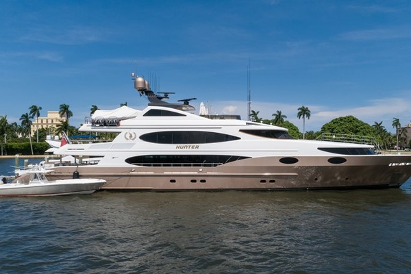 161' Trinity Yachts Tri-deck 2008 | Hunter