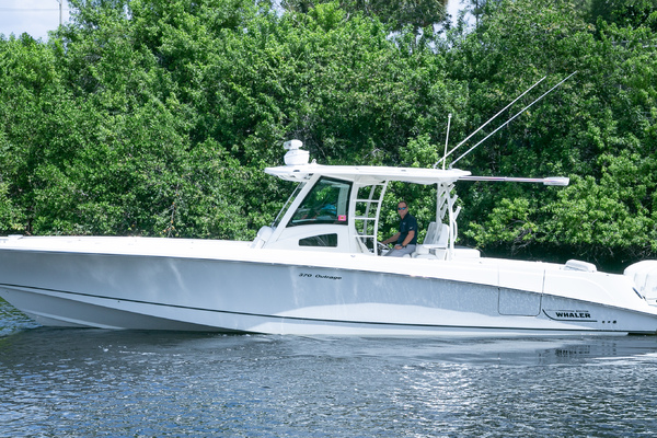 Picture Of: 37' Boston Whaler Outrage 2015 Yacht For Sale | 1 of 56