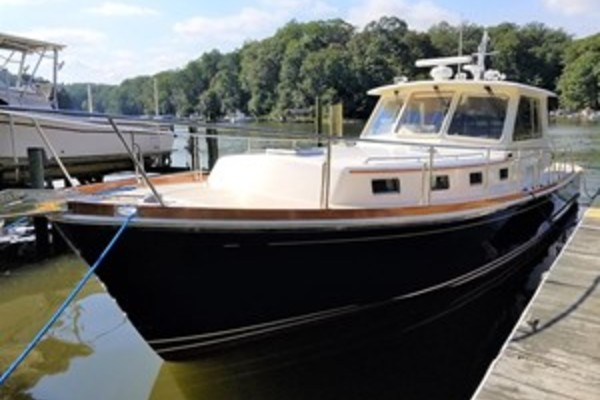 43' Grand Banks Eastbay Custom 43 Hx 2002 | Blue Harmony