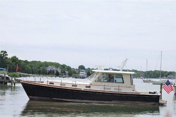 43' Grand Banks Eastbay Custom 43 Hx 2002 | Blue Harmony