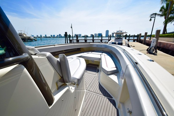 Picture Of: 42' Hydra-Sports 4200 Siesta 2016 Yacht For Sale | 4 of 42