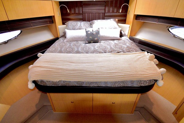 2013 Princess 72' V72 High Bid | Picture 7 of 57