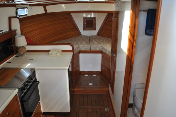 Picture Of: 36' Ellis Express 2006 Yacht For Sale | 3 of 22