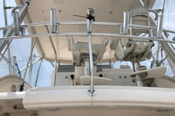 Picture Of: 39' Tiara 39 Convertible 2015 Yacht For Sale | 4 of 28